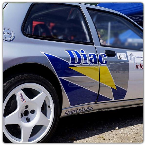 Logos DIAC avec contours blancs